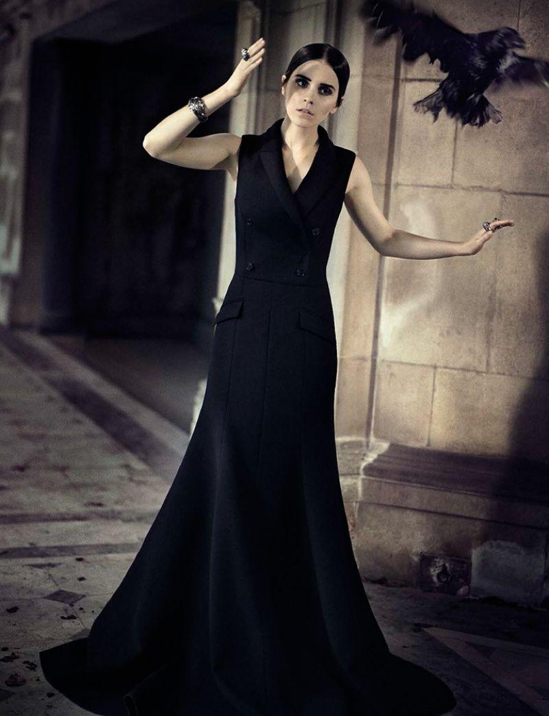 Carmina Burana: Готическая Эмма Уотсон в фотосессии для Vogue Italia