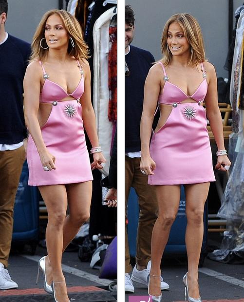 Меньше платья, больше тела: Дженнифер Лопес раскритиковали за ужасный наряд стоимостью 1040 евро