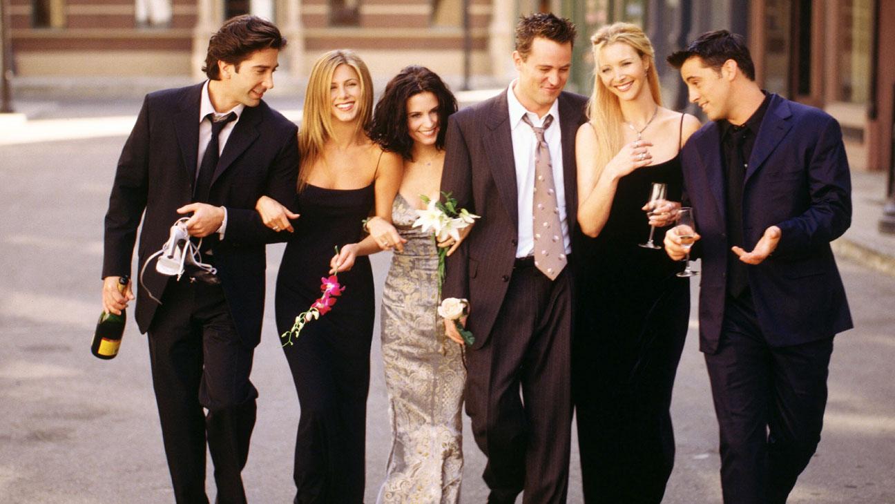 """Вперед, в прошлое: Дженнифер Энистон покрасилась и стала похожа на Рейчел из """"Друзей"""""""