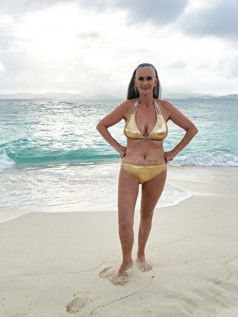 56-летняя топ-модель Никола Гриффин снялась в нижнем белье фото