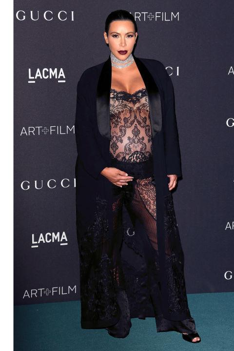 Ким Кардашьян шокировала публику прозрачным кружевным платьем от Givenchy