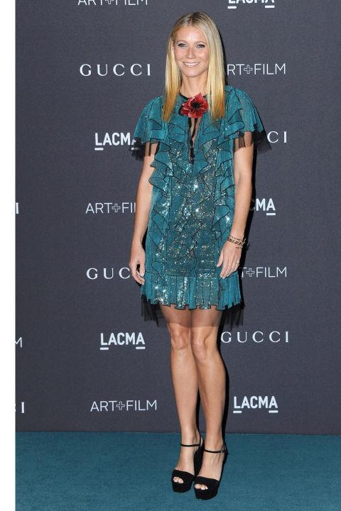 Гвинет Пэлтроу наоборот выбрала ультра-мини благородного зеленого цвета, но аналогично другим гостям – от  Gucci.