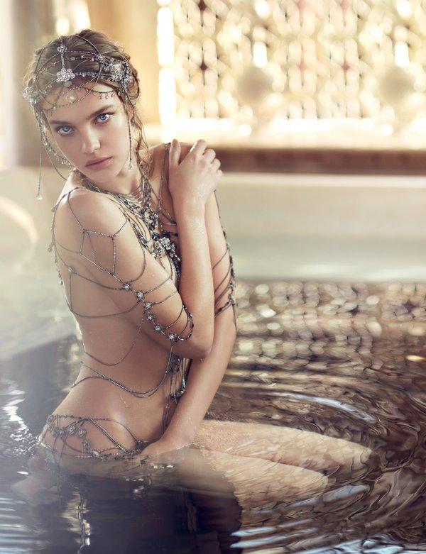 Guerlain и Наталья Водянова представили рождественскую коллекцию макияжа (ФОТО)