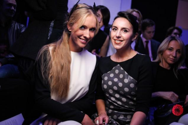 Красавицы Маша Ефросинина и Катя Осадчая блистают на Неделе моды