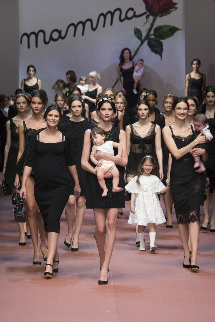 Viva la Mamma: Dolce and Gabbana выпустил коллекцию для матерей