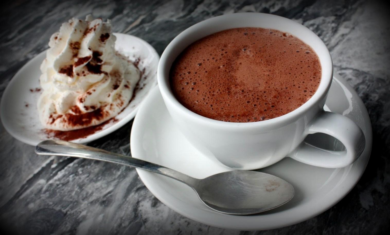 Рецепт от звездного мужчины: шоколадный напиток любимой на 8 марта