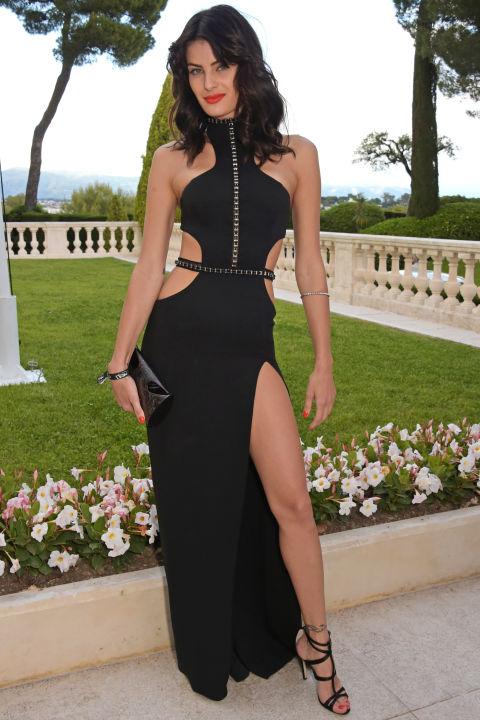 Изабелли Фонтана в черном платье от Redemption