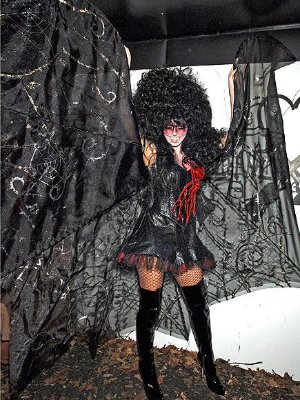 Королева Хэллоуин: Хайди Клум и ее лучшие костюмы