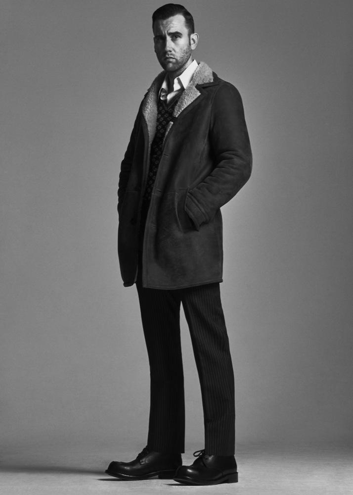 """Невилл Долгопупс, ты ли это? Актера """"Гарри Поттера"""" не узнать в новой фотосессии Interview"""