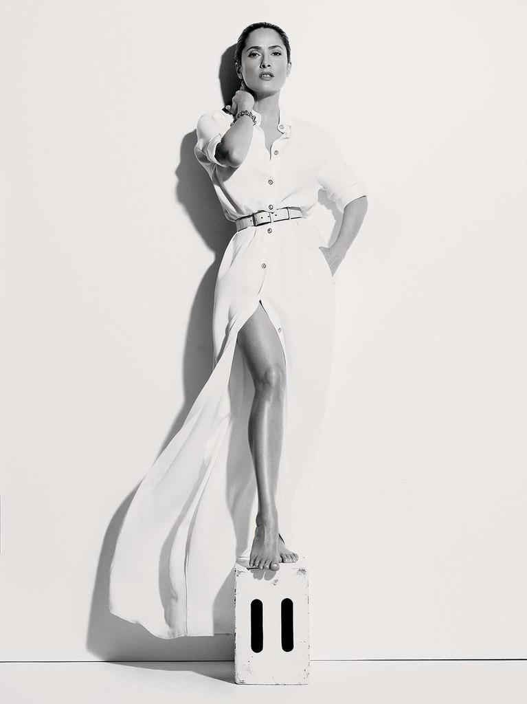 Сногсшибательная Сальма Хайек блистает в новой фотосессии