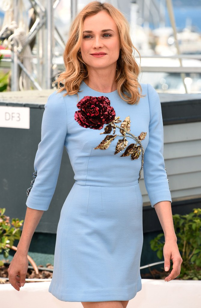 Диана Крюгер покорила голубым платьем от Dolce Gabbana