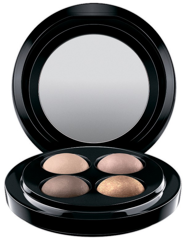 Квартет теней MAC Mineralize Eye Shadow x 4. Цена: €44,00. Представлены в таких гаммах:  Dark Energy, Full Orbit и Nano-Nude.