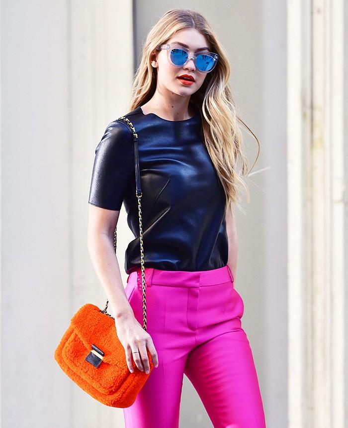Горячее сочетание: модные очки и яркие губы