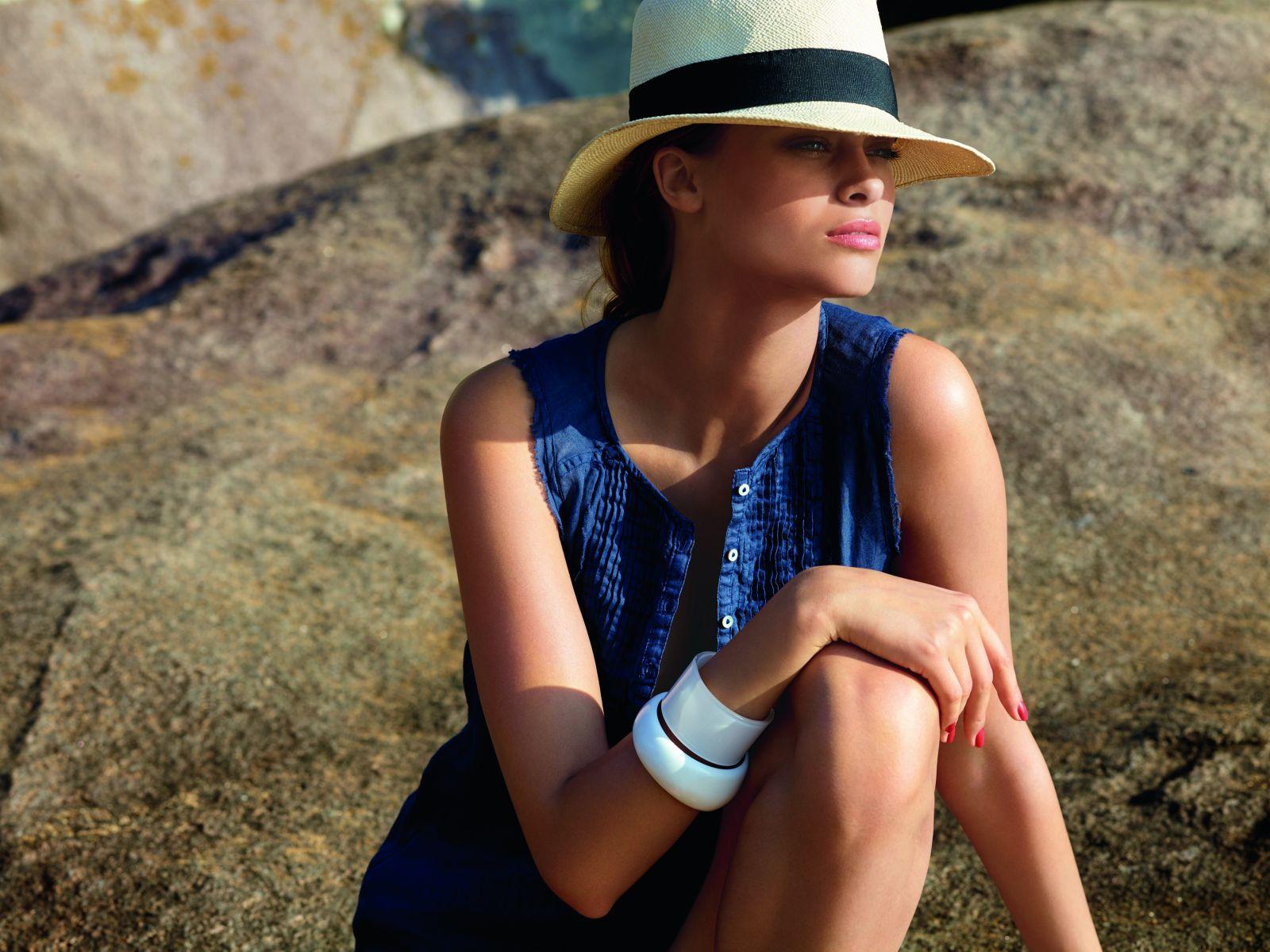 Загар без вреда: участник рейтинга Beauty Hit - Солнцезащитный спрей без белых следов SPF30