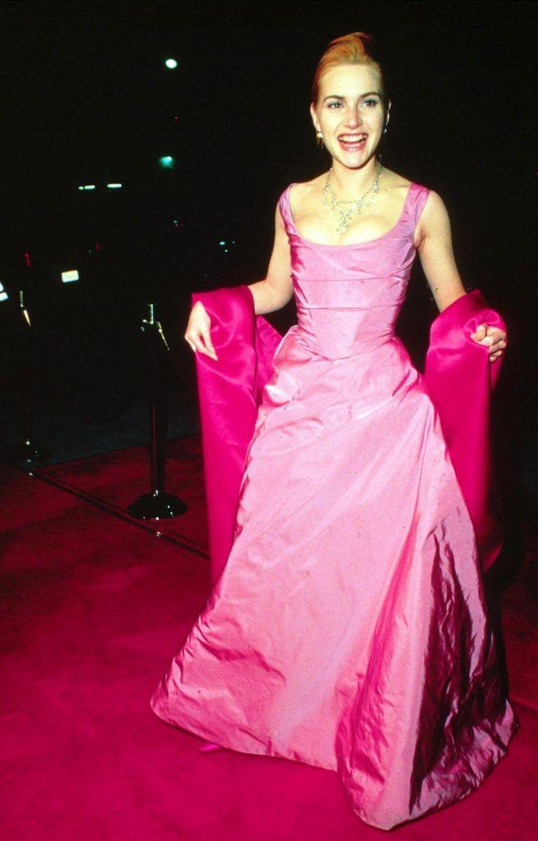 лучшие наряды звезд на красной дорожке Оскара за 20 лет