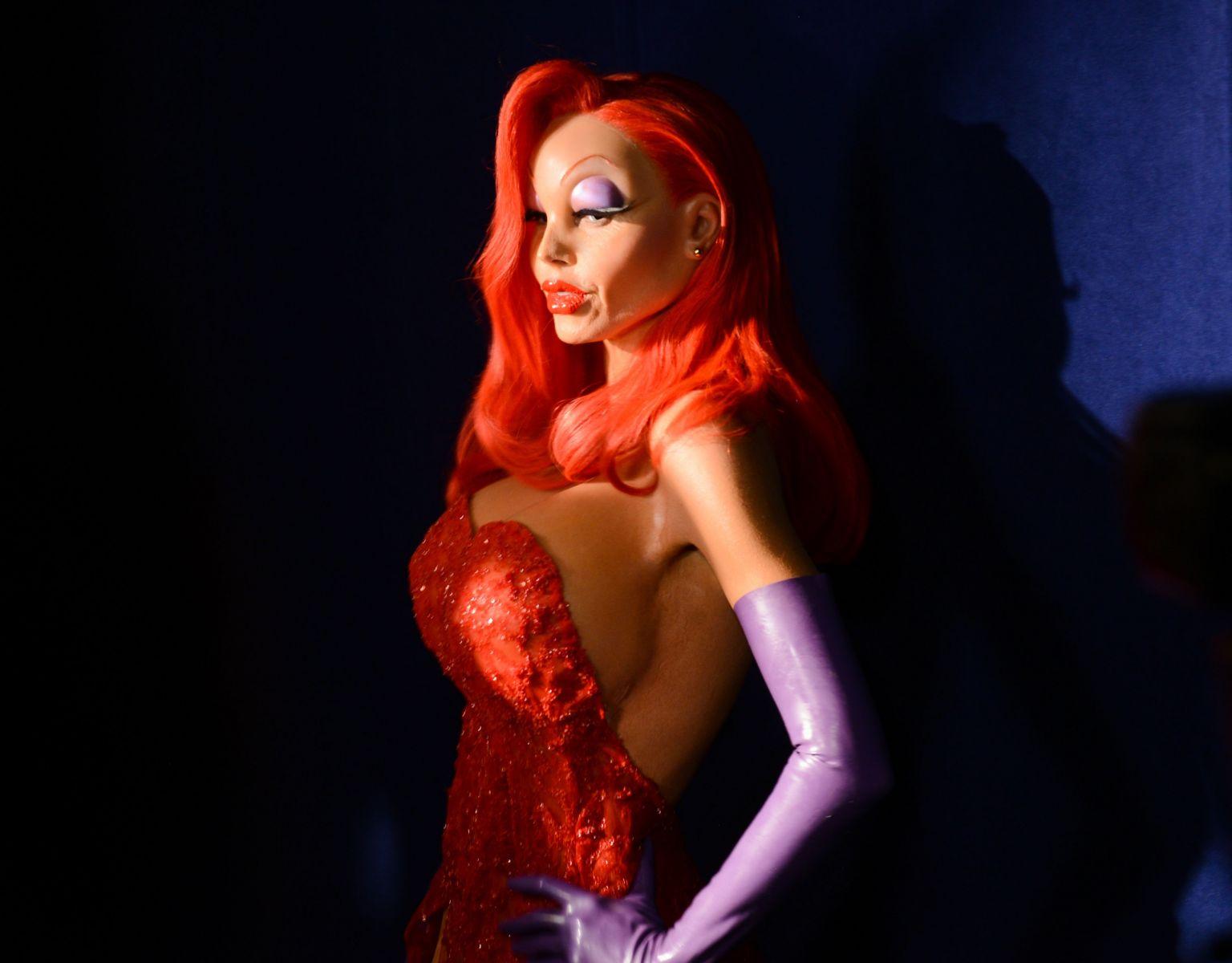 10 самых ярких костюмов звезд на Хэллоуин (ФОТО)