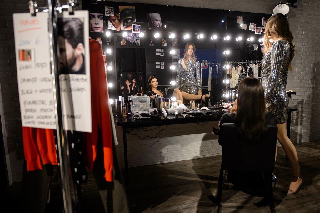 Кара Делевинь и Кендалл Дженнер получили восковых двойников фото
