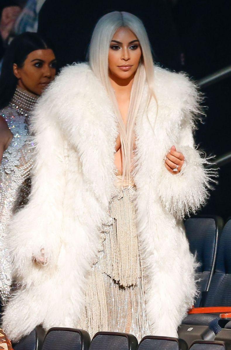 Ким Кардашьян снова стала блондинкой фото 2016