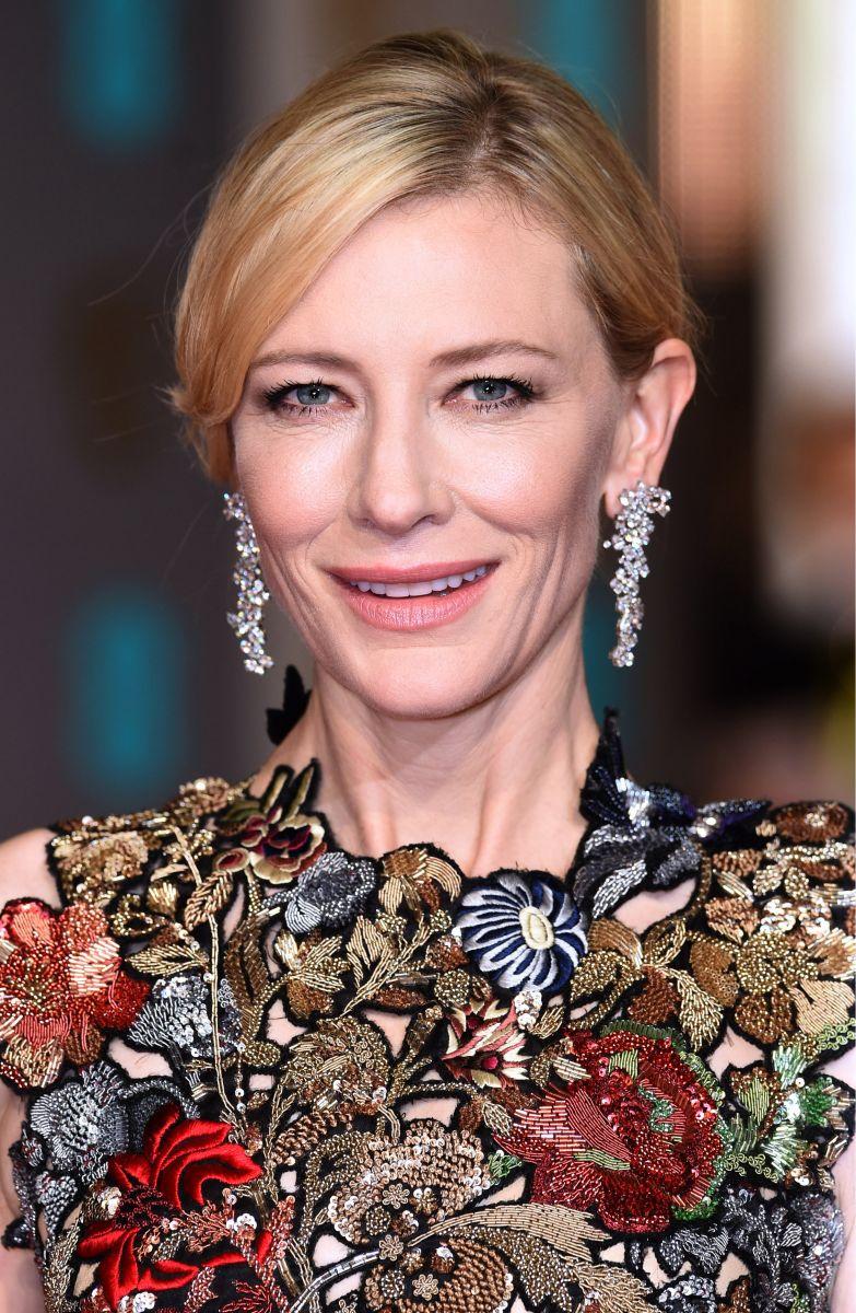 BAFTA 2016: 7 лучших звездных beauty-образов с красной ковровой дорожки
