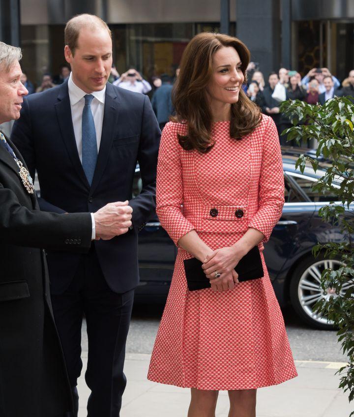Образ дня: элегантная Кейт Миддлтон покорила публику нарядом от малоизвестного британского бренда