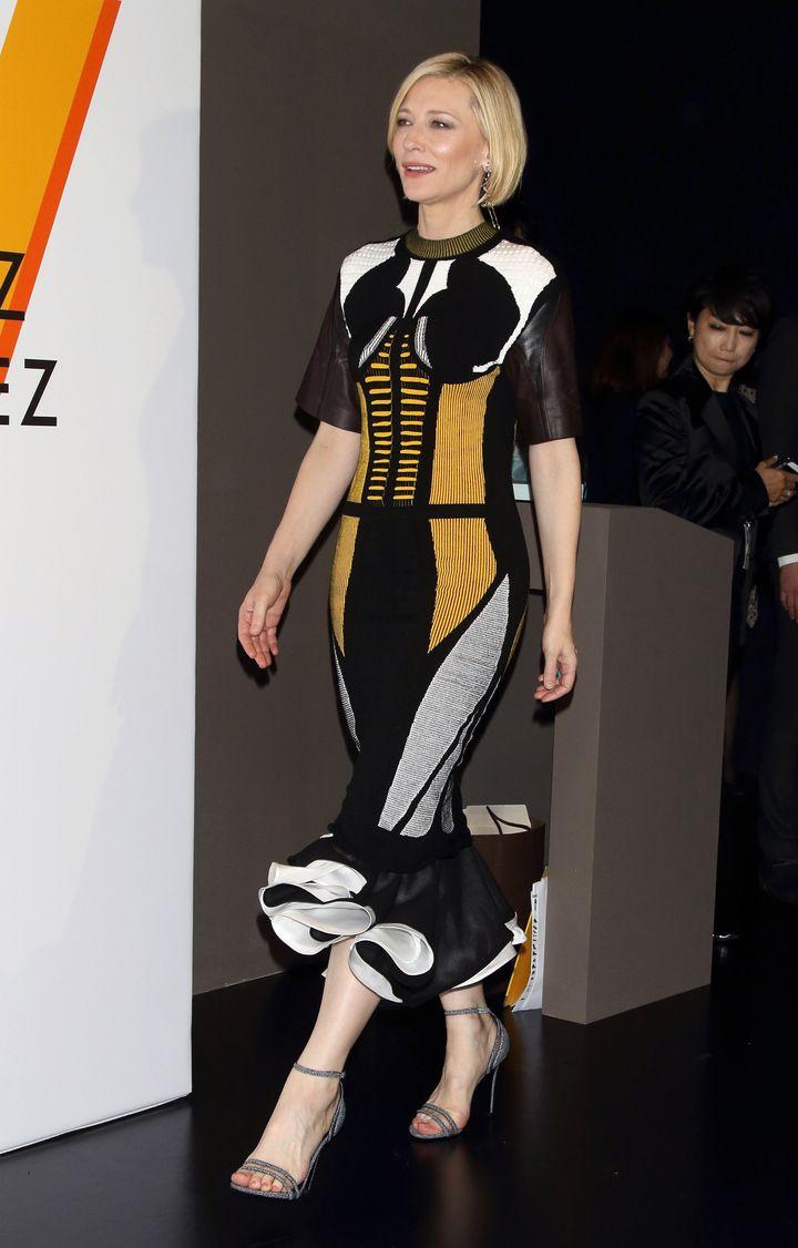 Образ: невероятно стильная Кейт Бланшетт на выставке в Токио фото