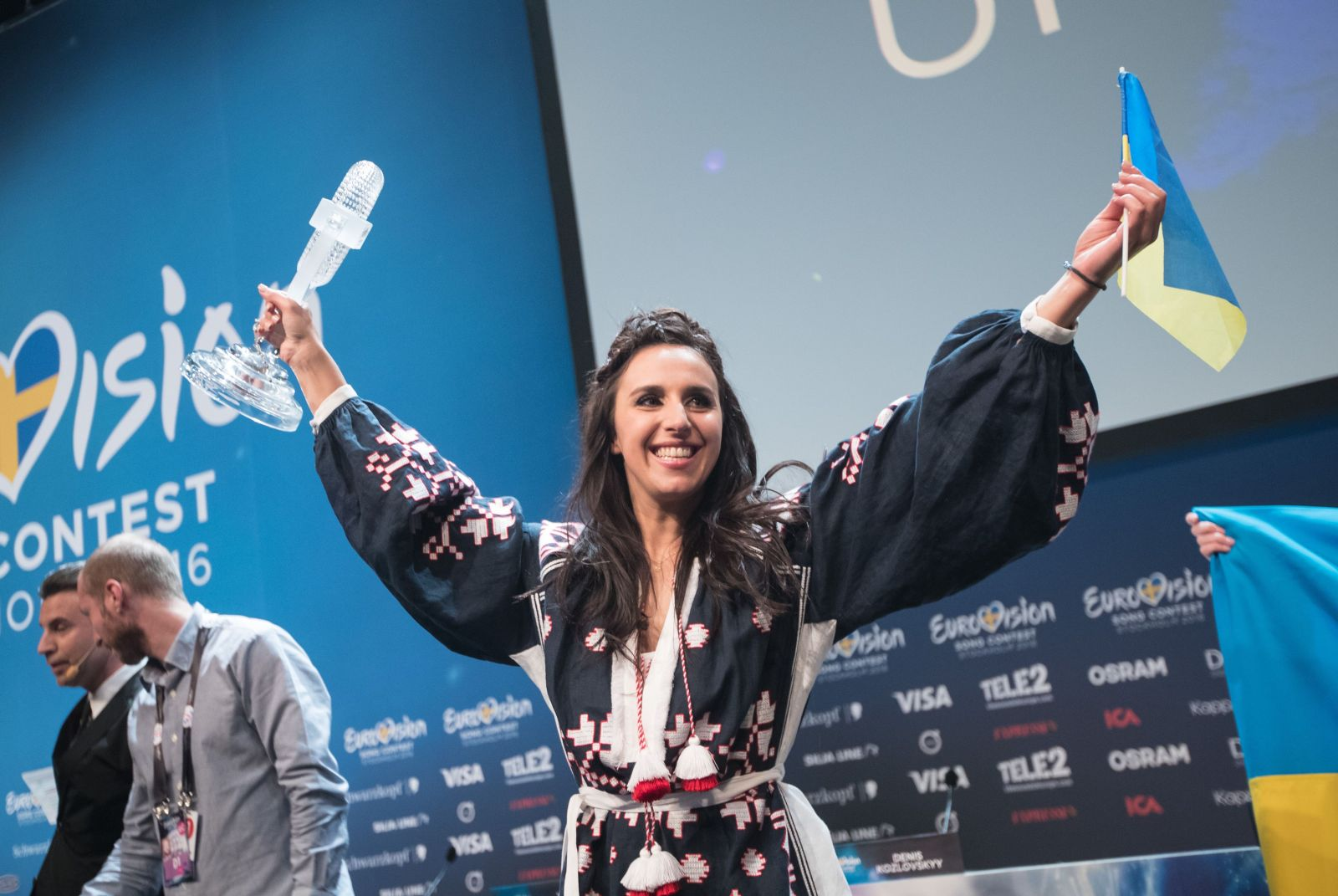 Эмоциональная наша: лучшие моменты с Джамалой на финале Евровидения 2016
