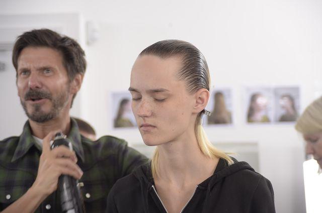 Мастер-класс: как повторить контрастный макияж с показа Dior Cruise 2017 фото