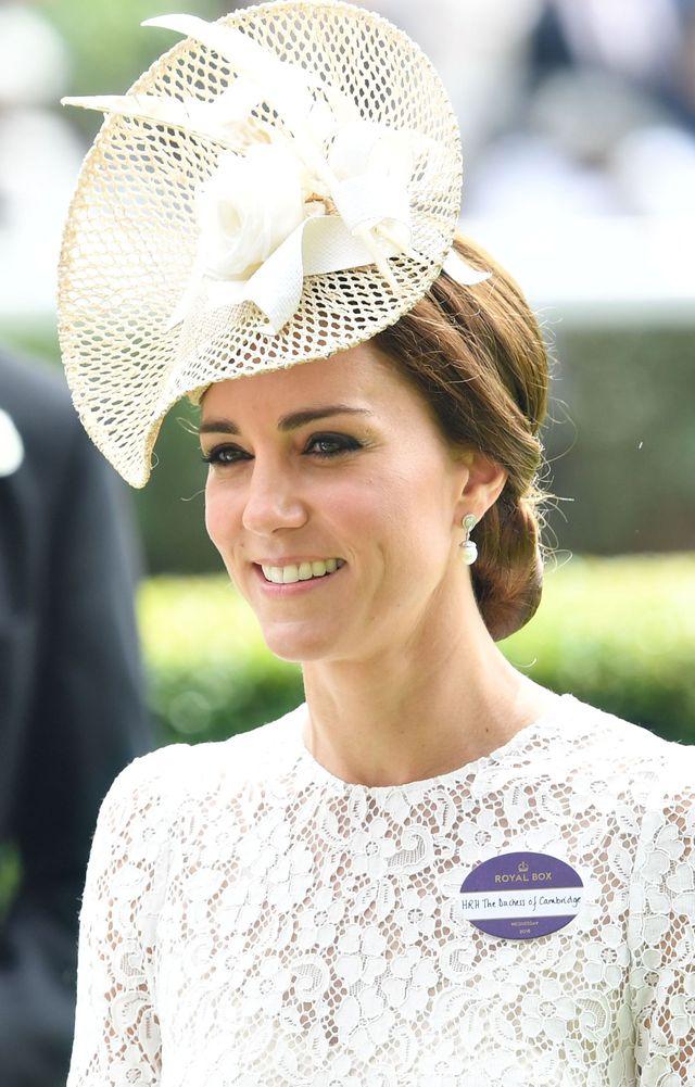 Кейт Миддлтон посетила знаменитые скачки Royal Ascot 2016 фото