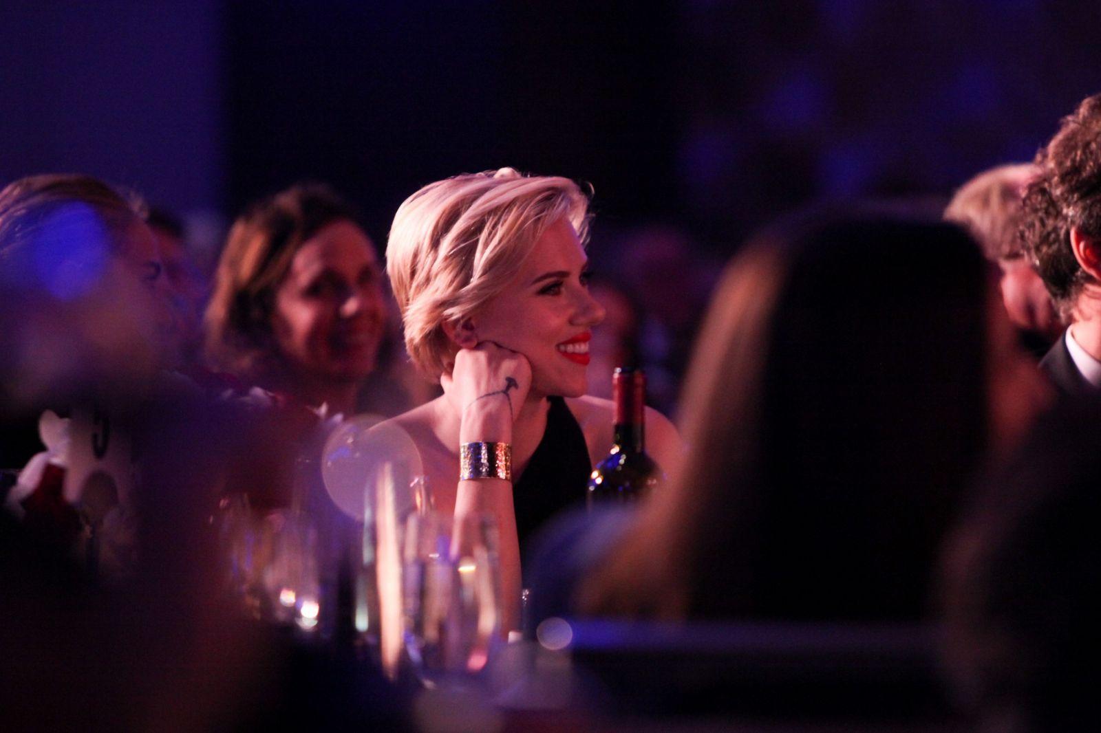 Beauty-образ дня: Скарлетт Йоханссон на вечере, посвященному Тони Беннетту