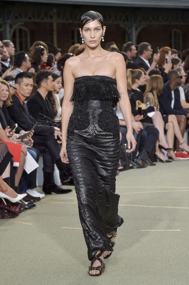 Подглядывать разрешается: Ирина Шейк, Наталья Водянова и другие за кулисами показа Givenchy