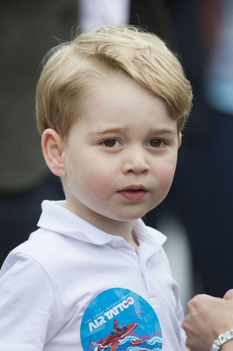 Кейт Миддлтон и принц Джордж посетили авиашоу в  Глостершире фото