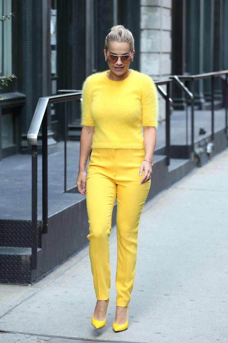 Образ дня: Рита Ора демонстрирует в Нью-Йорке превосходный стрит-стайл