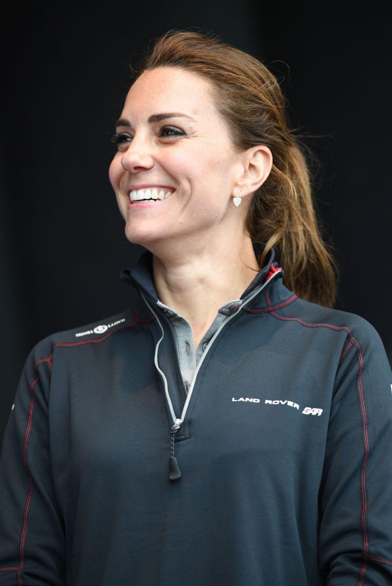 Герцогиня и спорт: Кейт Миддлтон в обтягивающих джинсах на чемпионате Americas Cup World Series