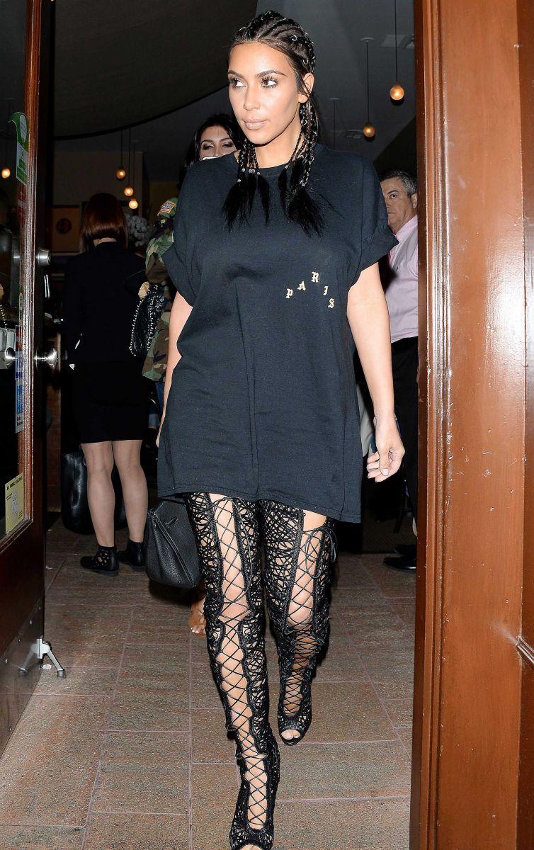 Образ дня: стильная Ким Кардашьян в образе bad-girl на улицах Нью-Йорка (ФОТО)