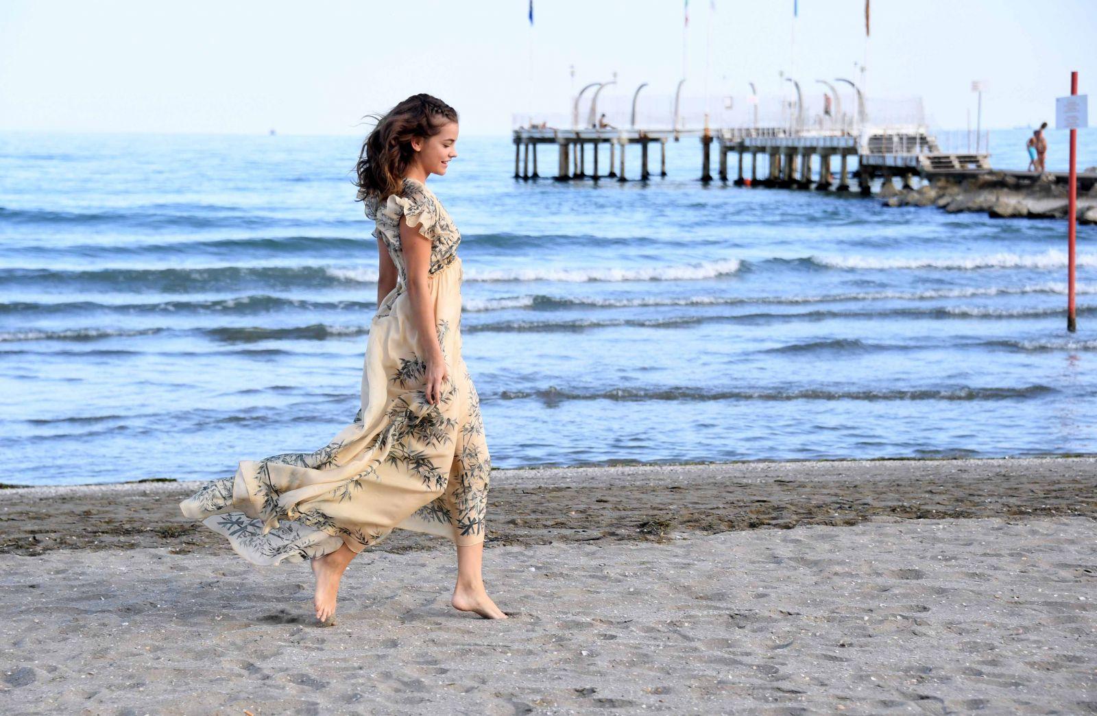 Образ дня: нежная Барбара Павлин на Венецианском кинофестивале