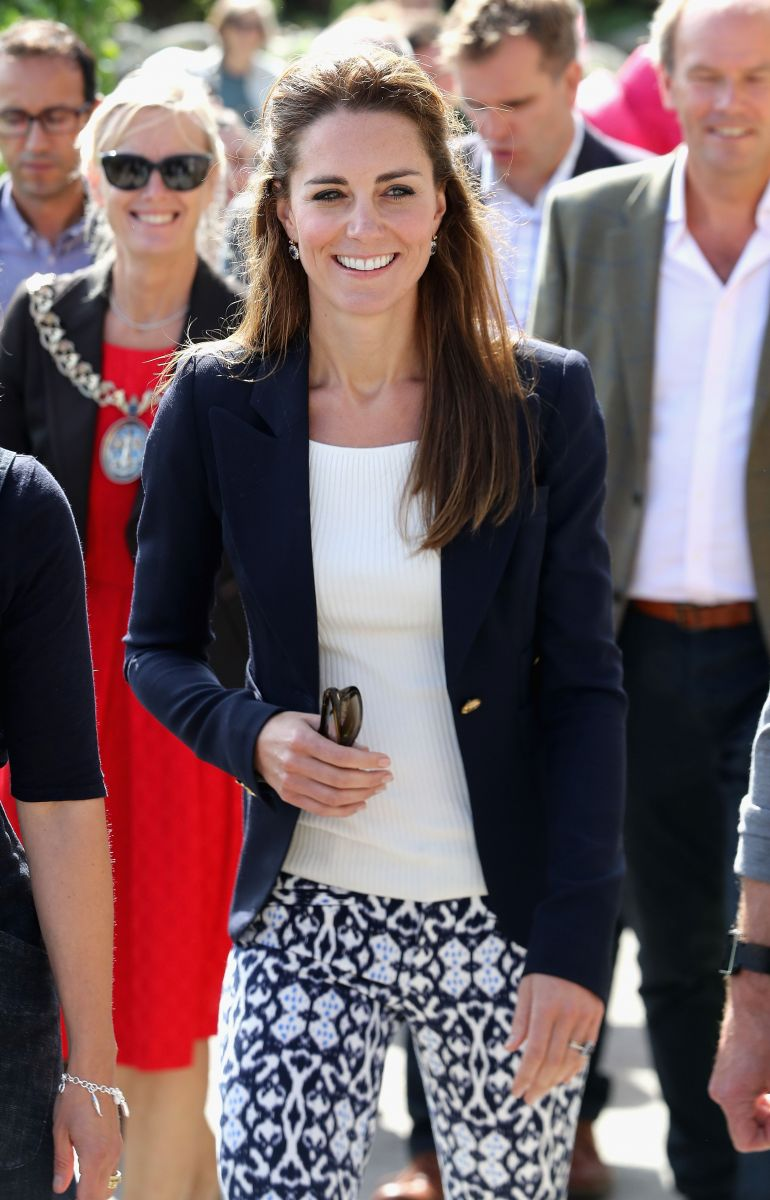 Кейт Миддлтон вышла в свет в брюках за 25 долларов (ФОТО)