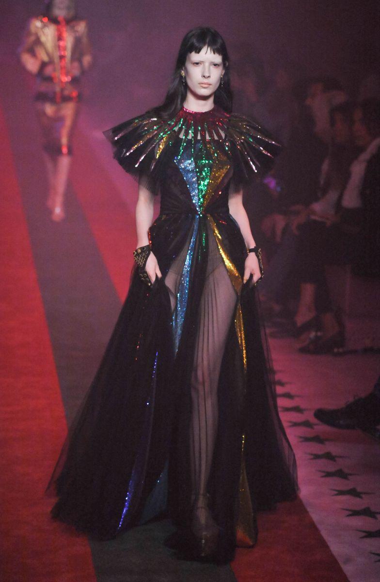 Gucci представил роскошную коллекцию одежды о глубоких чувствах (ФОТО)
