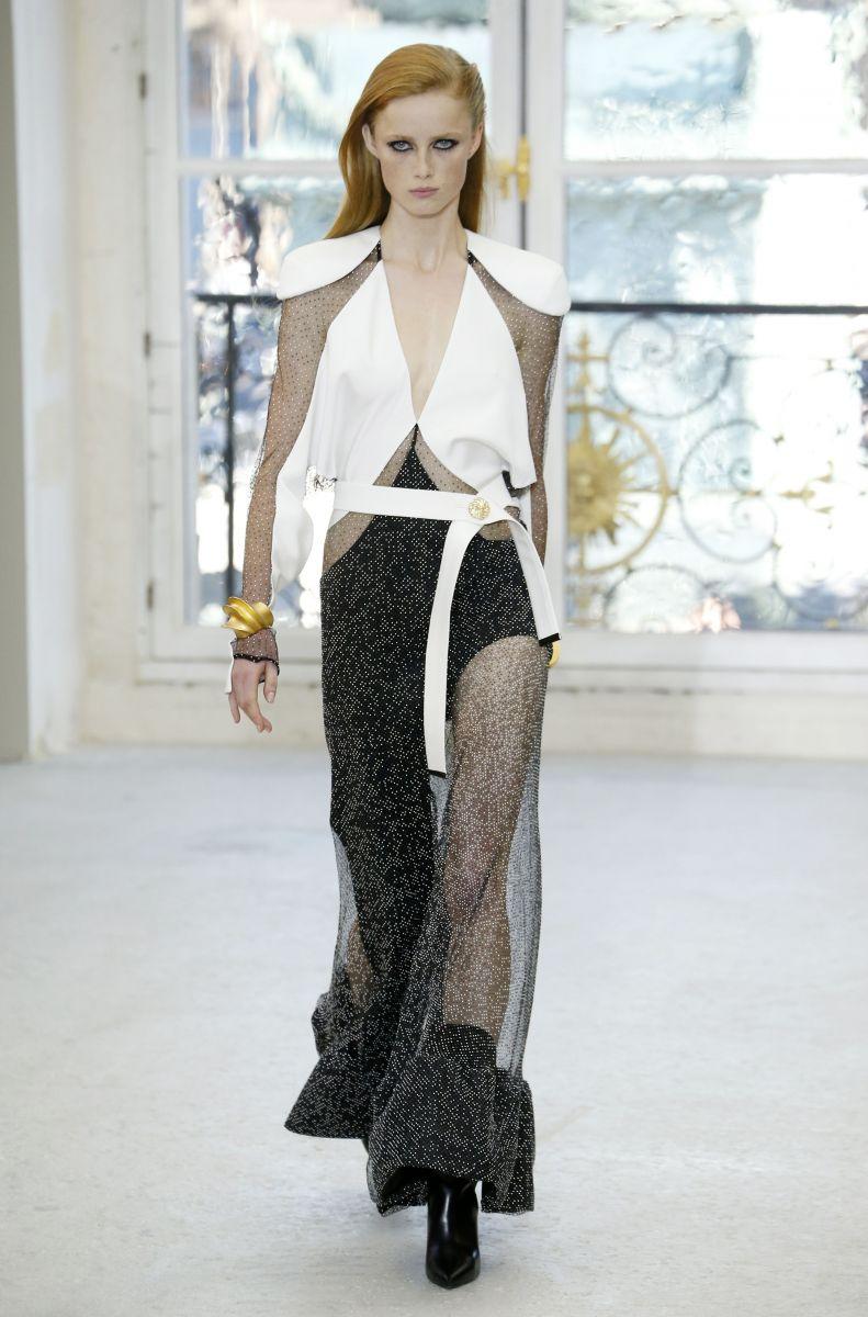10 лучших образов с показа новой коллекции Louis Vuitton в Париже (ФОТО)
