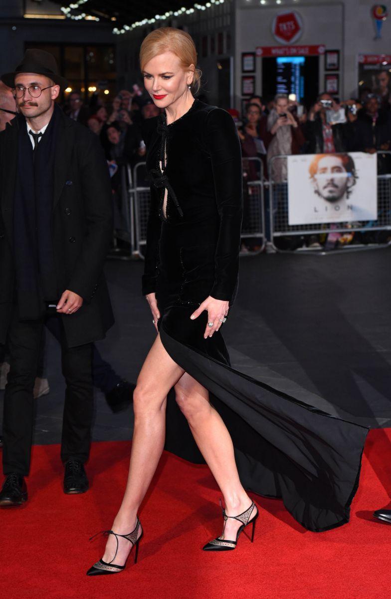 Образ дня: Николь Кидман в умопомрачительном платье Armani Prive (ФОТО)