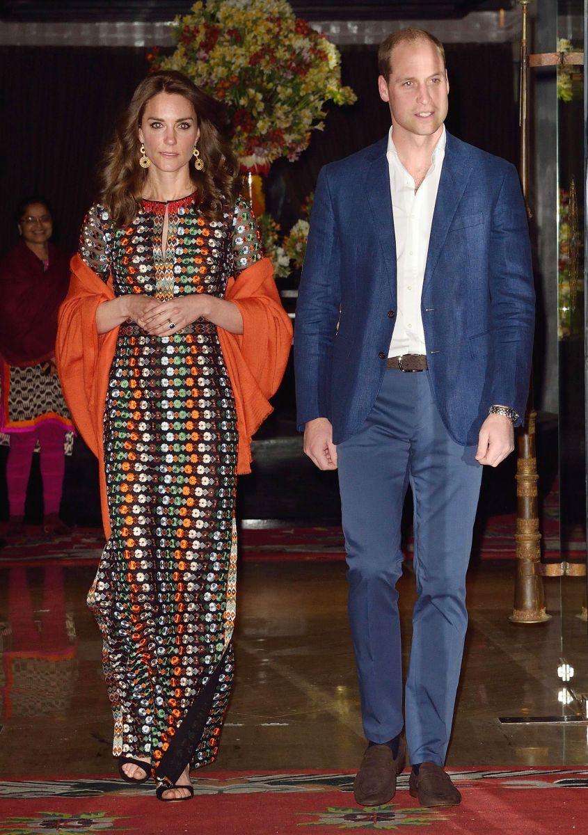 Двойняшки: Кейт Миллдтон и Дрю Берримор появились в одинаковых платьях за 1,500 долларов