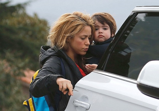 Фотофакт: Шакира шокировала лицом без макияжа