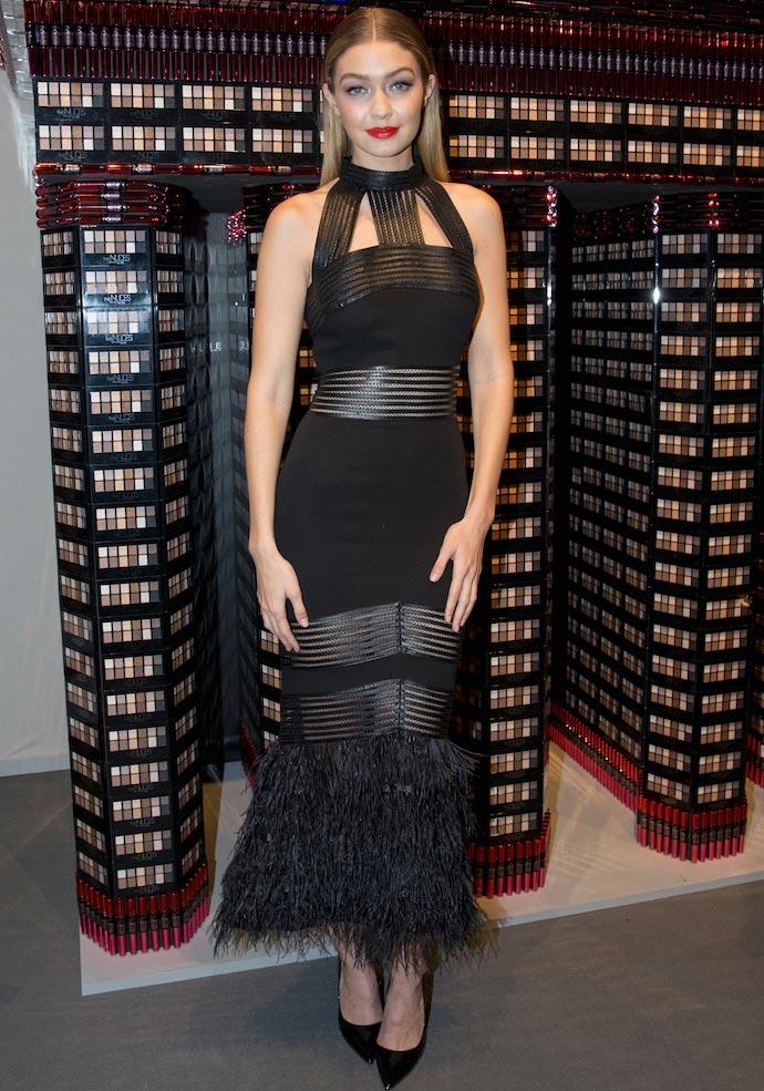 Образ дня: Джиджи Хадид в платье из новой коллекции Sally La Pointe