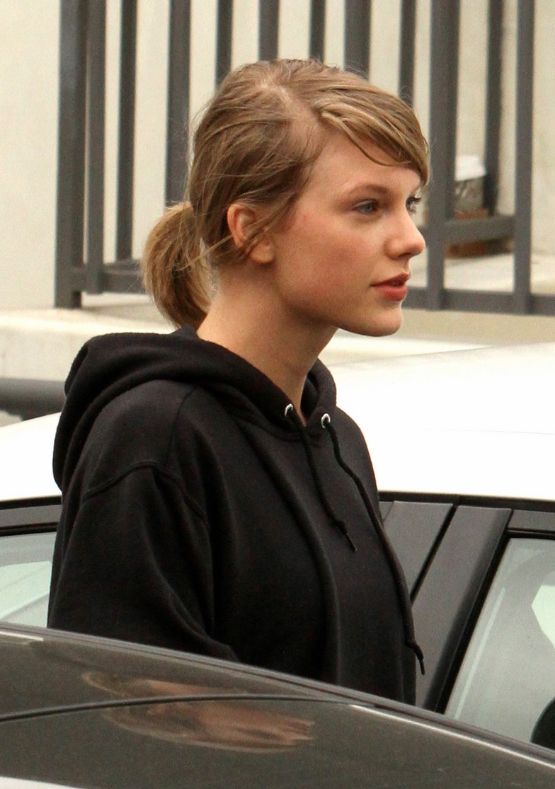 Taylor swift with no makeup