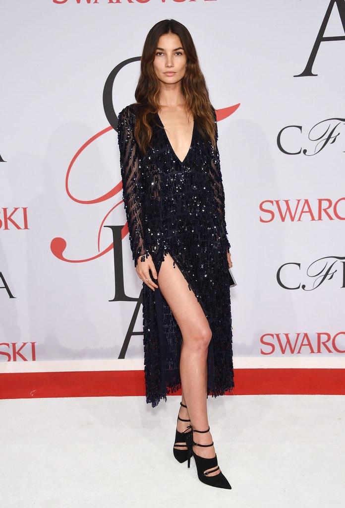 Без украшений: Лили Олдридж покорила натуральной красотой на CFDA Fashion Awards
