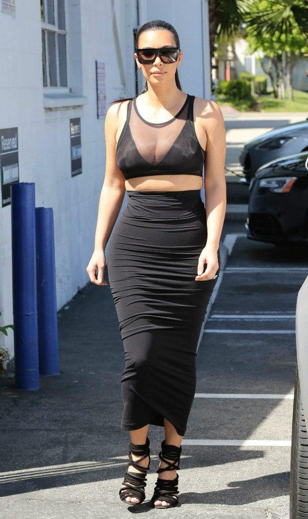 Фотофакт: Ким Кардашьян стремительно набирает вес
