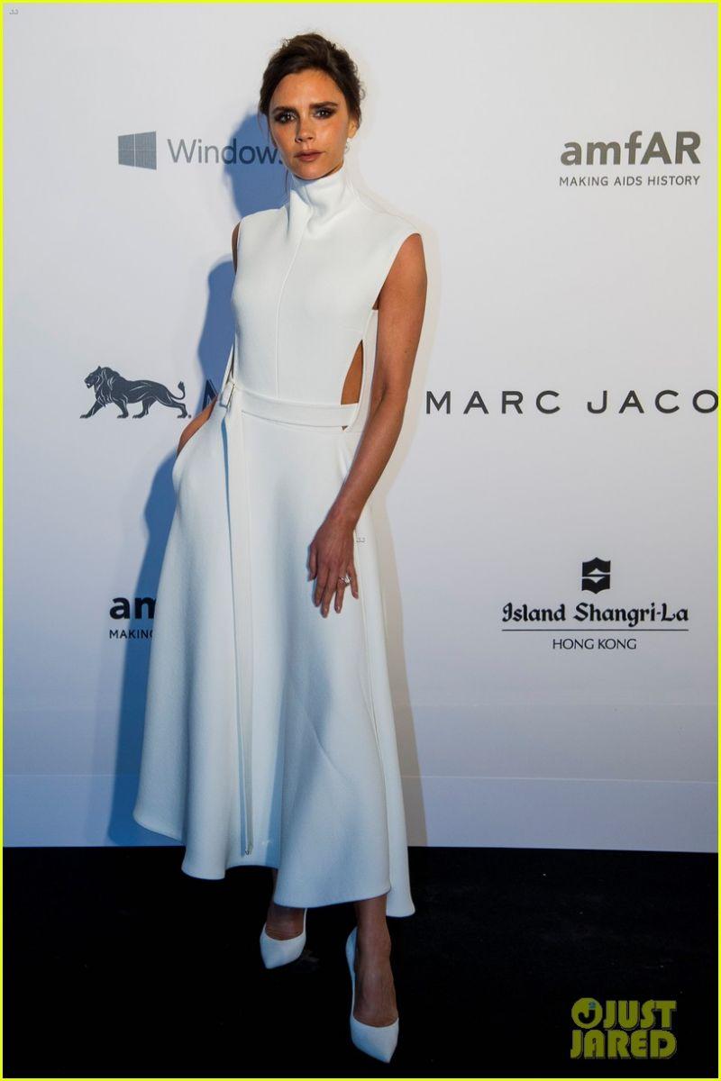 Мисс Совершенство: Виктория Бекхэм посетила благотворительный ужин