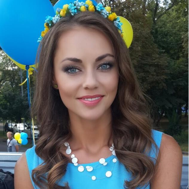 Телеведущая Ольга Бутко советует не злоупотреблять косметикой