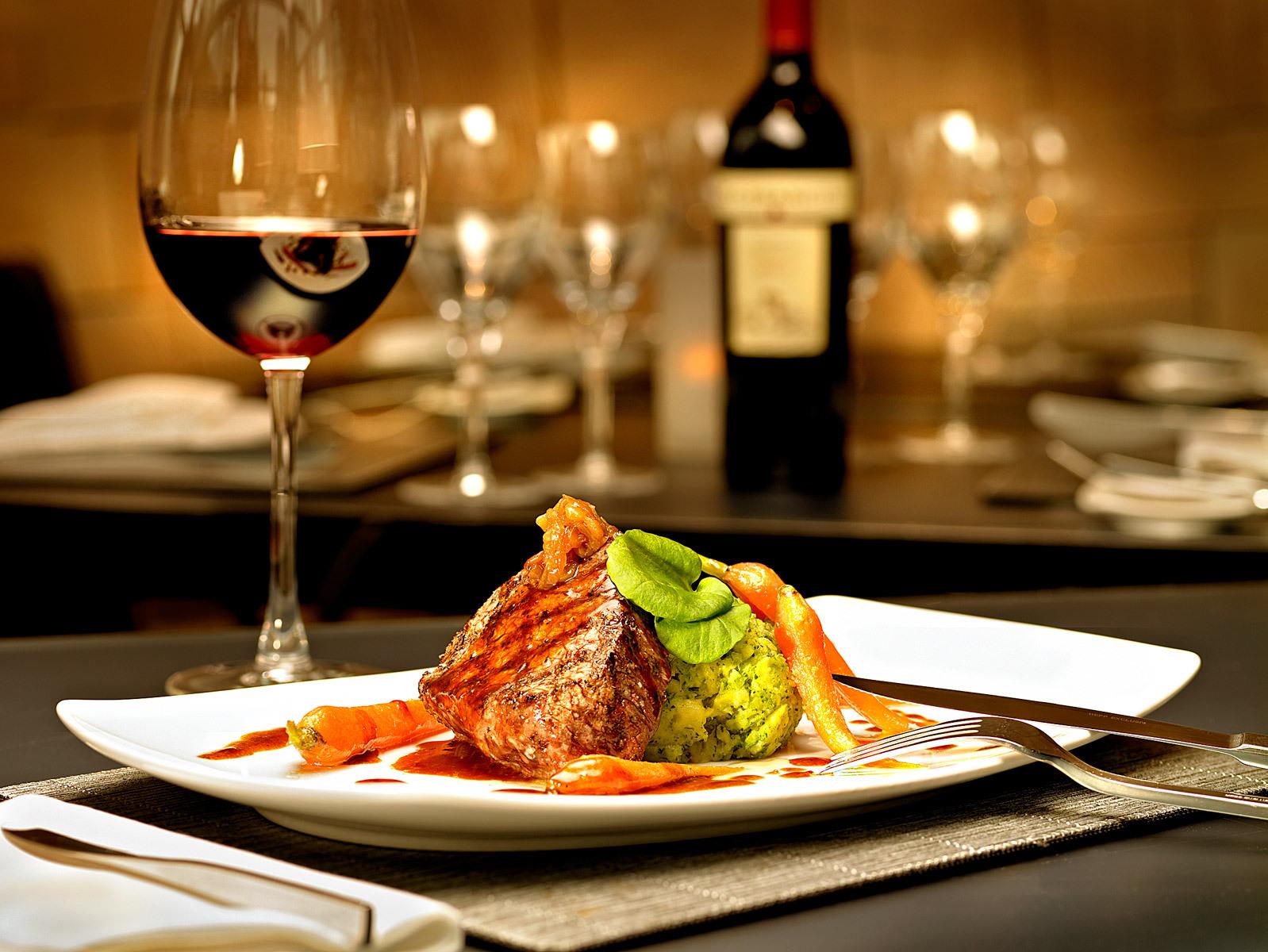 3 совета как правильно питаться в ресторане, чтобы не поправиться