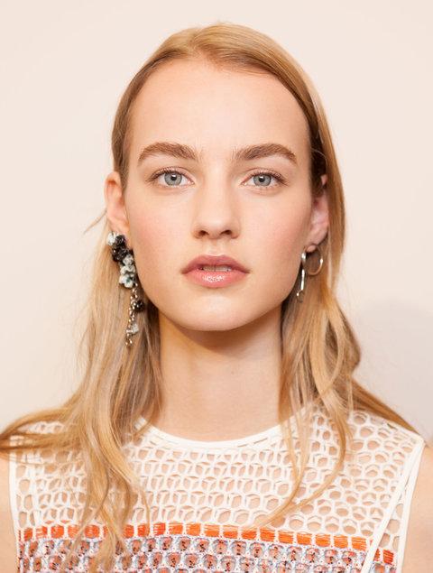 Бери пример: Как повторить идеальный летний макияж от Dior?
