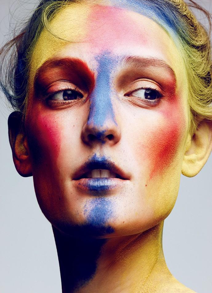 """Бьюти-образ дня: """"праздник красок"""" Джулии Флеминг в Vogue Japan"""